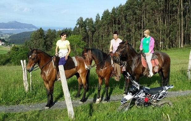 Ruta a caballo+clase para 2 ó 4 personas
