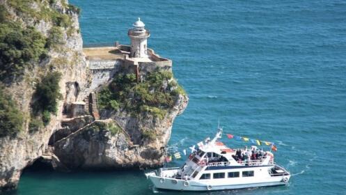 Fábrica de conservas + paseo en barco de Santoña a Laredo + interpretación histórica de una fortalez