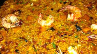 Menú especial para dos personas entrante a elegir mas arroz a escoger, postre y bebida