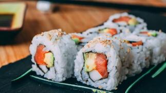 Menú sushi roll para dos personas en Bao King para recoger