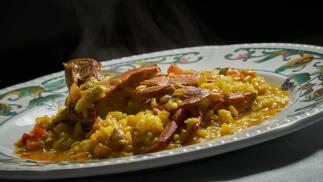 Menú marinero: Entrante, arroz, postre, café y bodega para dos personas