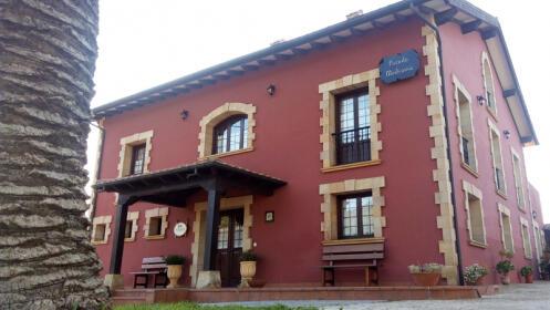 1 ó 2 noches con desayunos en Ubiarco, Santillana del Mar
