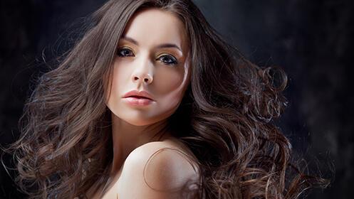 Sesión de peluquería para hombre o mujer con producto de acabado