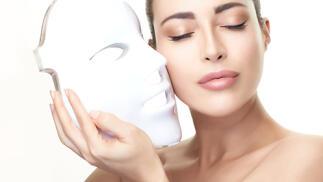 Tratamiento de cara luminosa con vitamina C y máscara de luz Led con sesión de presoterapia