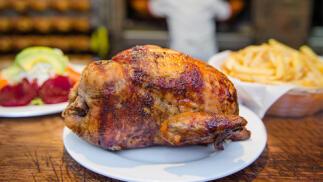 Pollo a la brasa para cuatro personas