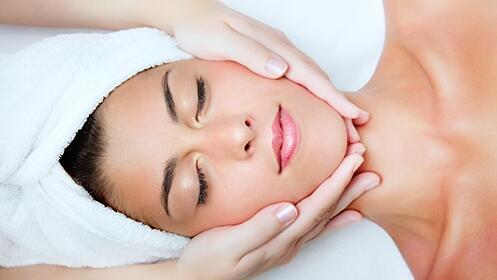 Limpieza facial con hidratación + Peeling ultrasónico