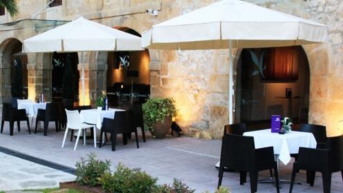 Noche + desayuno buffet tradicional + detalle de bienvenida y opción entrada Cabarceno