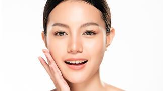 Tratamiento de rejuvenecimiento integral facial con oxigeno y vitaminas en Velvet