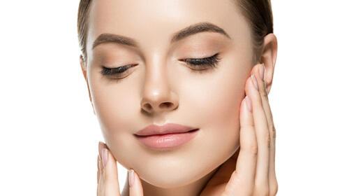 Una sesión de tratamiento facial Dermapen, rejuvenecimiento facial de vitaminas