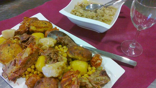 Exquisito menú de cocido lebaniego
